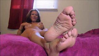 Mature mistress foot fetish joi