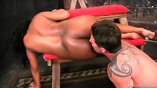 thick black mistress layton benton finds a white face to sit on