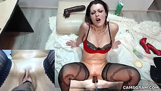 Webcam Fuck Machine And Stunning Cleanshaven Camgirl