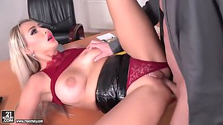 russian boss lady lara onyx gets double fucked by two employees