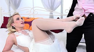 Anal for hot Czech bride Vinna Reed