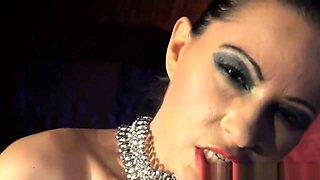 Dominatrix Babe Pleasing Herself