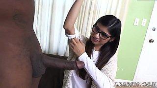 Arabic doctor room xxx Mia Khalifa Tries A Big Black Dick
