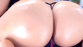 milf shake big oiled ass