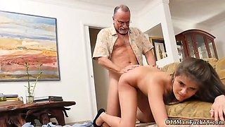 Amateur milf glasses blowjob Chillin with a scorching Tamale