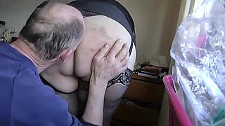 my wife exposes her bottom part two