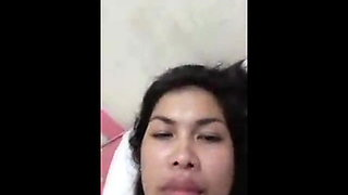 Filipina teasing me to be her BF
