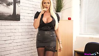 Plump British milf Lucy Zara is toying her pussy on the table