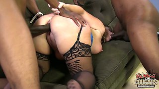 Two huge black dicks invade anus and pussy of nasty milf Dee Siren