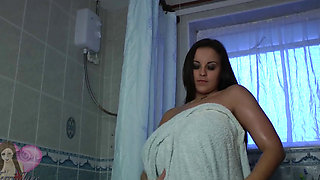 Terri Jane in bathroom