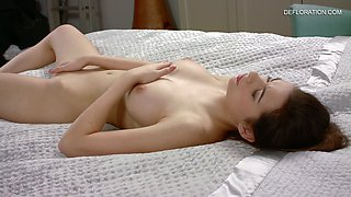 Pretty fresh pink pussy of lovely Shura Tambov in hot defloration video