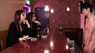 Japanese pornstar femdom facesitting and cumshot