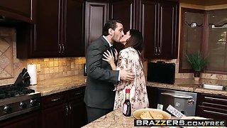 Brazzers - Shes Gonna Squirt - Breakfast Squirt Break scene