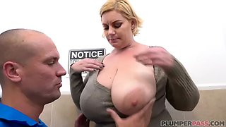 Bbw whore tiffany blake gets fucked in the bathroom at work