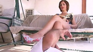 Foot adoration mistress