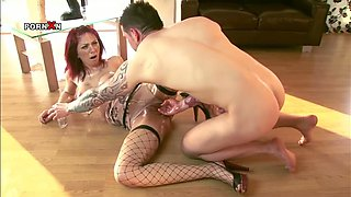 Tattooed freak fists dumpy kitty of hot red haired bitch Mai Bailey