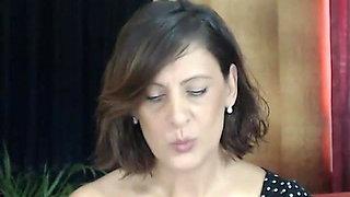Hot mom at web show 6