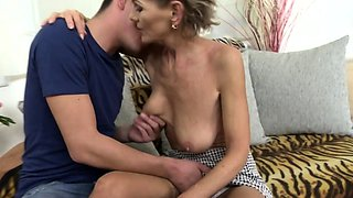 Horny housewife Irenka doing her toyboy