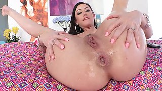 juicy jennifer white gets her whootie eaten, worshiped and fucked wide open