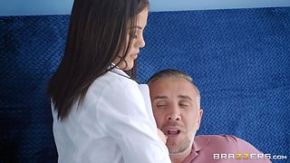 dirty adventures with doctor ends with nice creampie