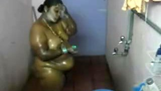 desi- south indian aunty bathing 2