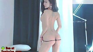 korean bj neat shows her incredible body