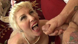MILF Dalny Marga tastes his sperm after he is done with her