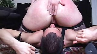 Mistress smothers slave using her cellulite-stricken ass