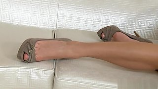 Lovely Lolly makes all the men rock hard when she masturbates