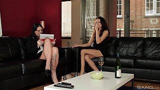 Awesome Simony Diamond gets to masturbate with her smoking hot friend