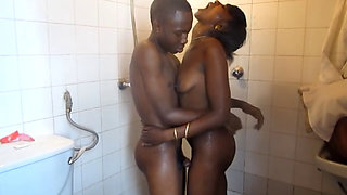 Real Amateur African friends get frisky