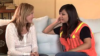 Alana Leigh shows her friend that a woman knows clit better than man