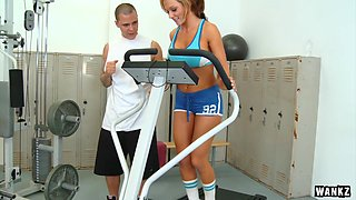 Sexxy Nikki Works out her Rack