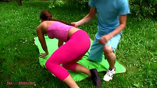 Flexible girlfriend Ivana is making love with her BF in the garden