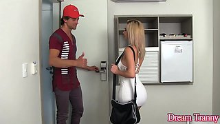 Blond Shemale Nathalia de Castro Flip Flops with a Horny Guy