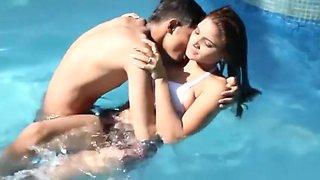 Shruti Bhabhi Couples Public Pool Romance