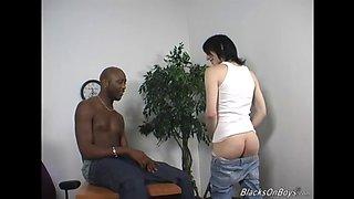 emo skinny white guy gets fucked by black man