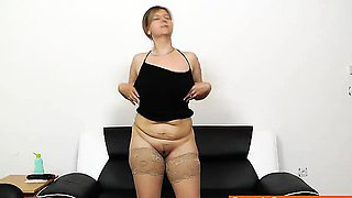 Juicy Czech Wifey Iva gets plenty pervy wit her toy