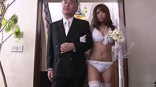 Japanese bride sucking cock during her wedding