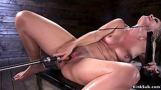 Hot ass blonde squirter fucks machine