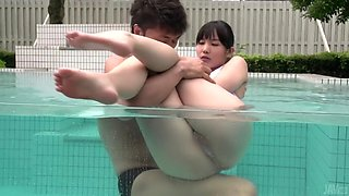 sexy time by the pool with shaved japanese pussy of yui kasugano