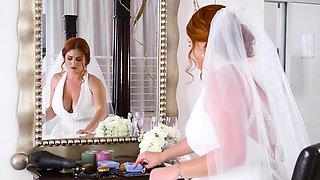 Brazzers - Brazzers Exxtra - Dirty Bride scen