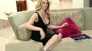 Friends hot mom Julia Ann