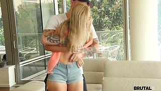 Libidinous babe Alexa Grace is fucked by aggressive furious dude