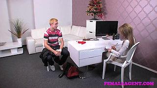 FemaleAgent Unsuspecting stud dominated into casting pegging