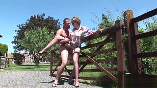 Unfaithful uk mature lady sonia presents her monster melons