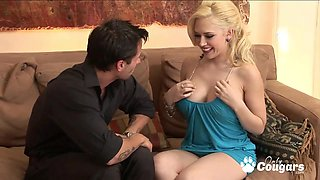 Perfect blonde Kagney Linn Karter fucking doggystyle a fat dick