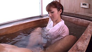 Japanese cougar with a hairy pussy enjoying a hardcore fuck in the bath