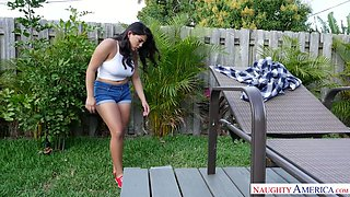 Tantalizing Latin babe Julz Gotti gives outdoor blowjob and gets fucked in the kitchen