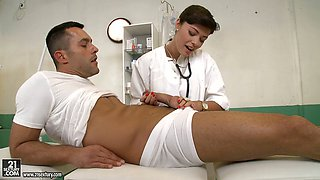 Salty brunette doctor gives thorough blowjob to stiff cock of her patient